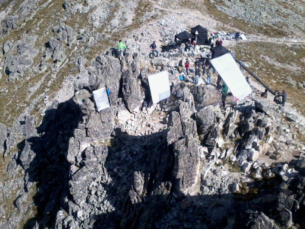 Filmársky štáb v horách